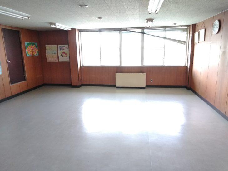 給食センター内部床改修工事                八戸市