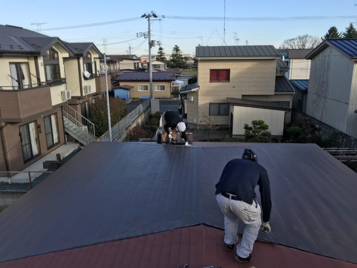 【八戸】S様邸 塗装前の屋根一部張替え工事