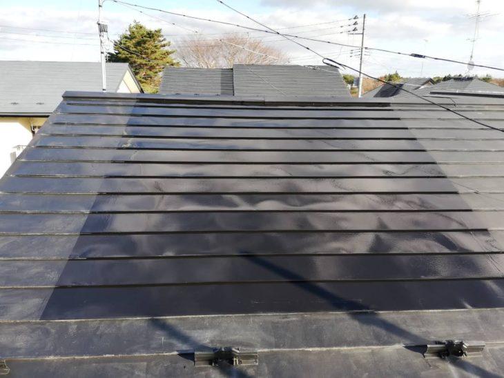 【八戸】O様邸 ソーラーパネル下の屋根部分塗装